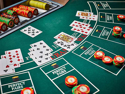 Understanding Hole Card Variations In Online Blackjack